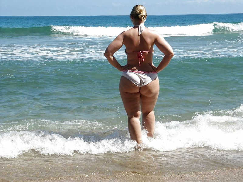 смотреть порно толстых баб в стрингах
