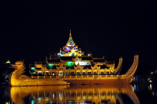 Restauracja na łodzi