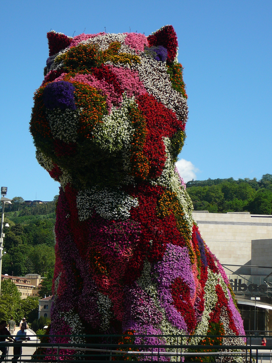 HUGE Flower Dog in front of Guggenheim