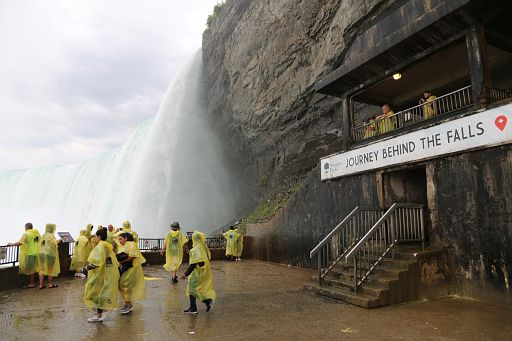 Niagara Waterfalls Behind 2018 June 18 (42)
