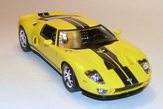 Polar Lights 2005 Ford GT kit - Scale Auto Magazine - For
