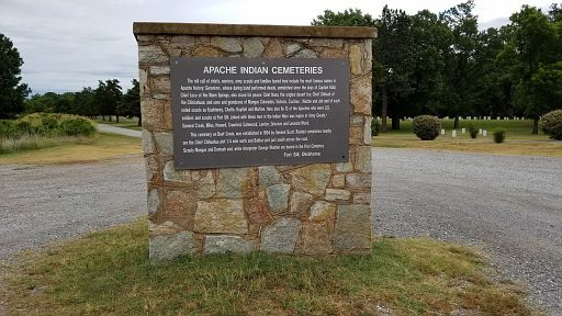 201806 17-20- (130) - Where Geronimo is buried.