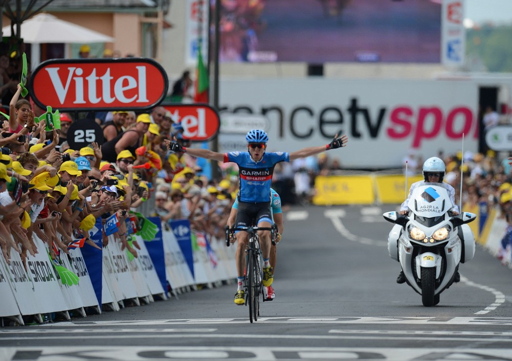 Dan Martin wins Stage 9